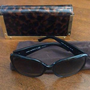 Tory Burch sunglasses. TY7004